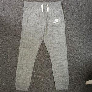😍 Like new Women's Nike active/lounge pants
